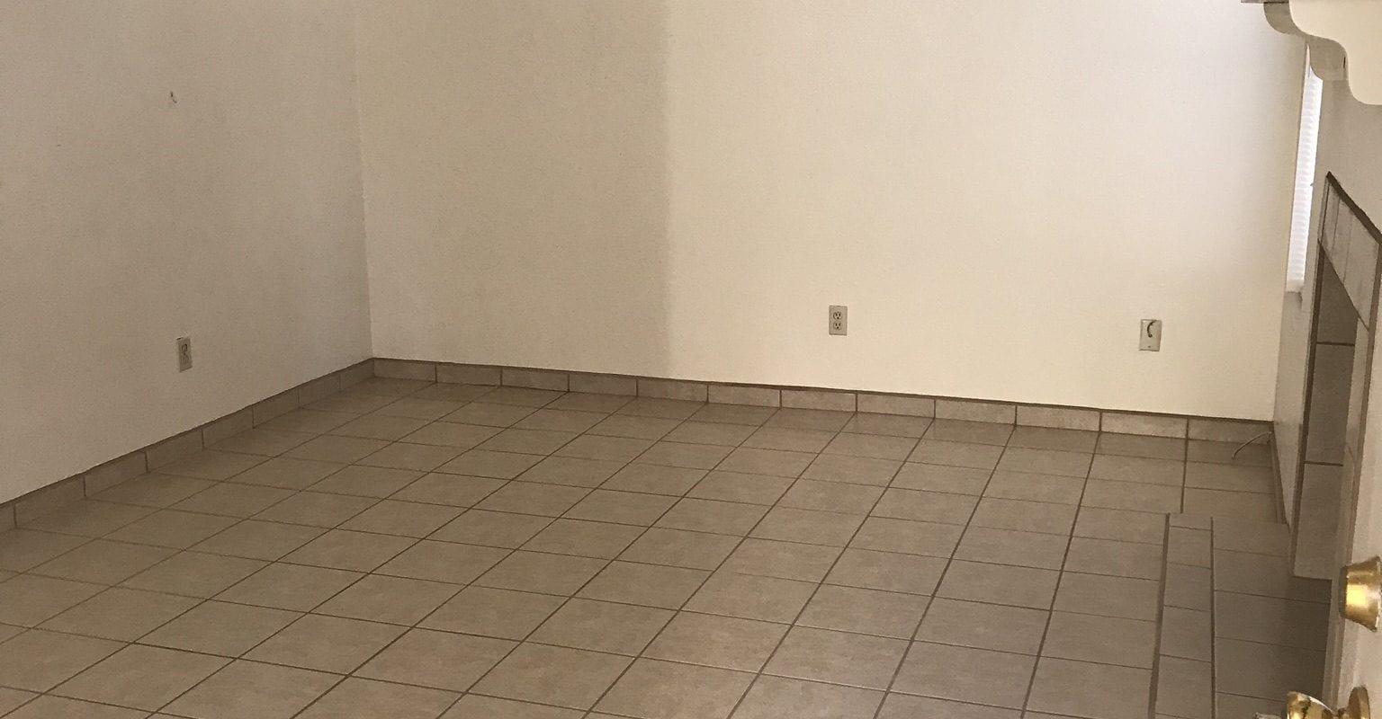 199 W. Madrid Ave. #F2, Las Cruces, NM  88005