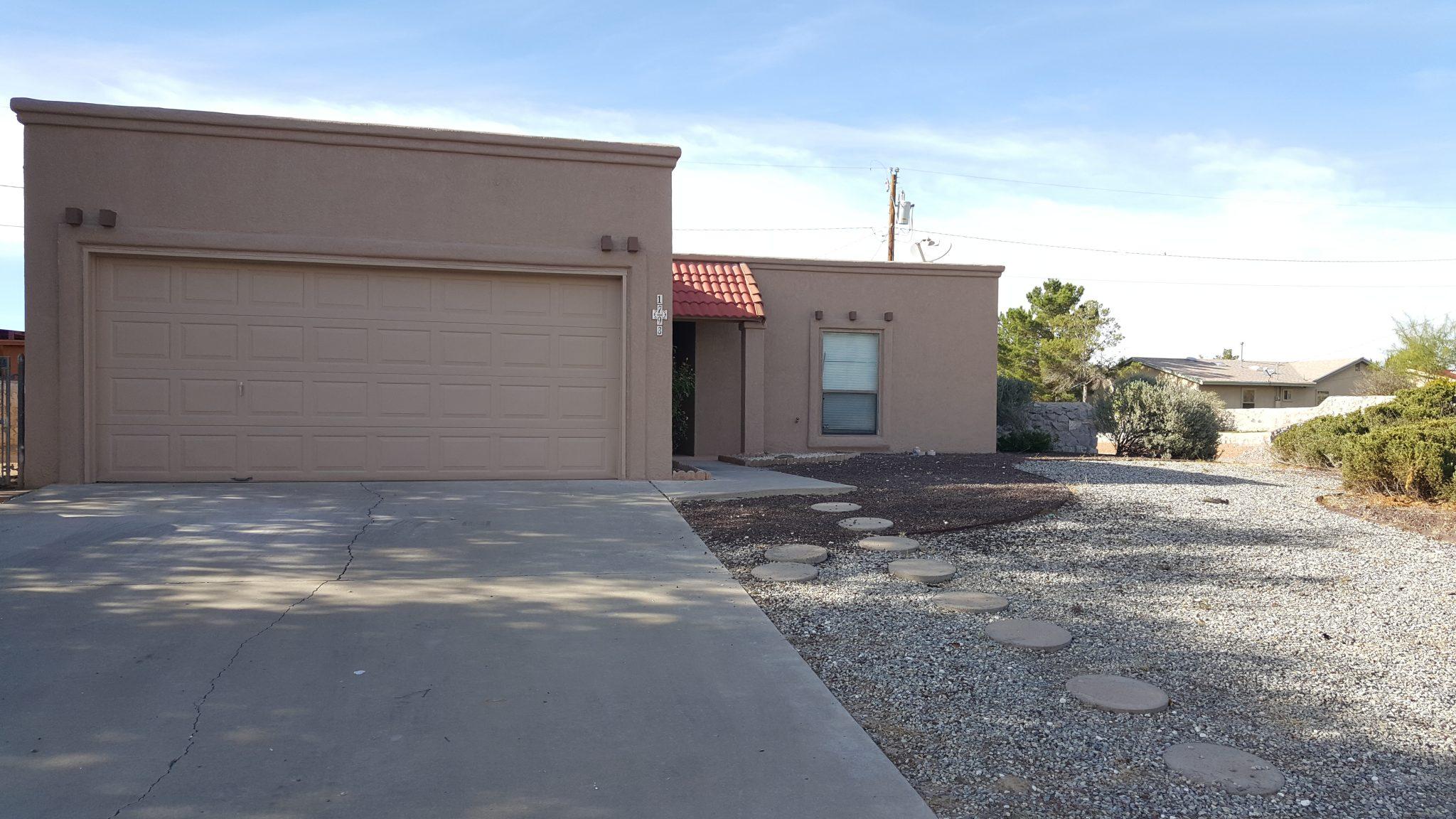 1793 Sumner Ave., Las Cruces, NM  88001