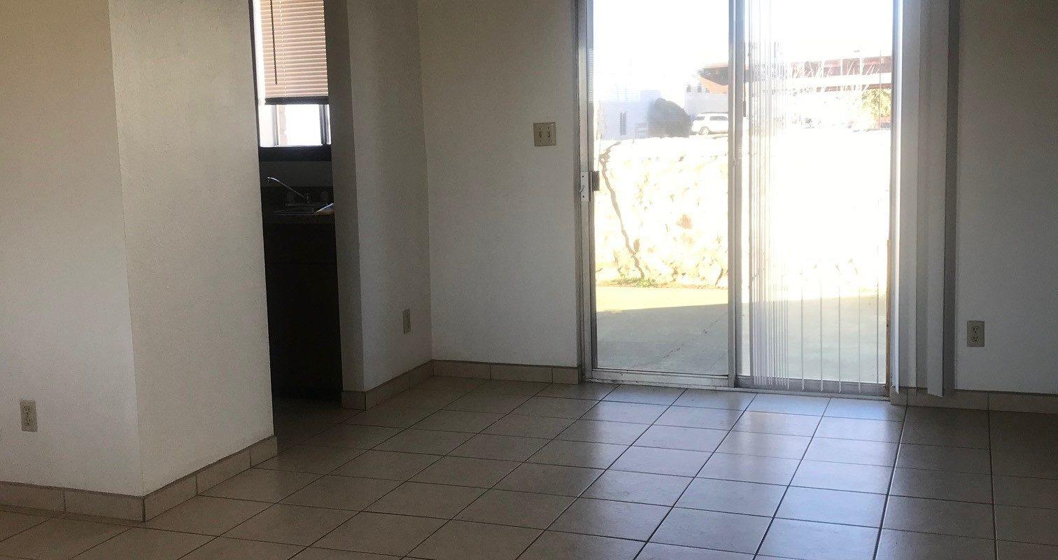 2909 Los Amigos Ct. #1, Las Cruces, NM  88011