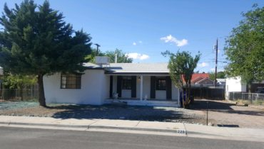 228 Oxford Dr., Las Cruces, NM  88005